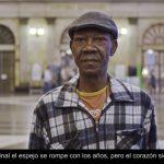 Arrels Fundació y Arena Media lanzan un banco de imágenes de personas sin techo.