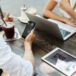 1 de cada 3 españoles toma sus decisiones de compra influido por las redes sociales
