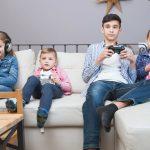 Ópticos-optometristas advierten del uso incontrolado de móviles o tabletas aumenta riesgo de miopía en niños