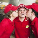 Grupo Telepizza refuerza su compromiso estas navidades con Down España
