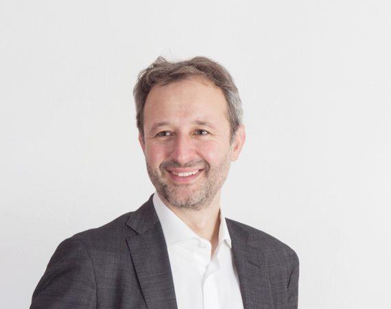 Interbrand, nombra, Global Chief Strategy Officer ,Manfredi Ricca, programapublicidad, muy grande