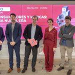 BBVA, FNAC y Telefónica, debaten nuevas reglas, en revista UNO 32
