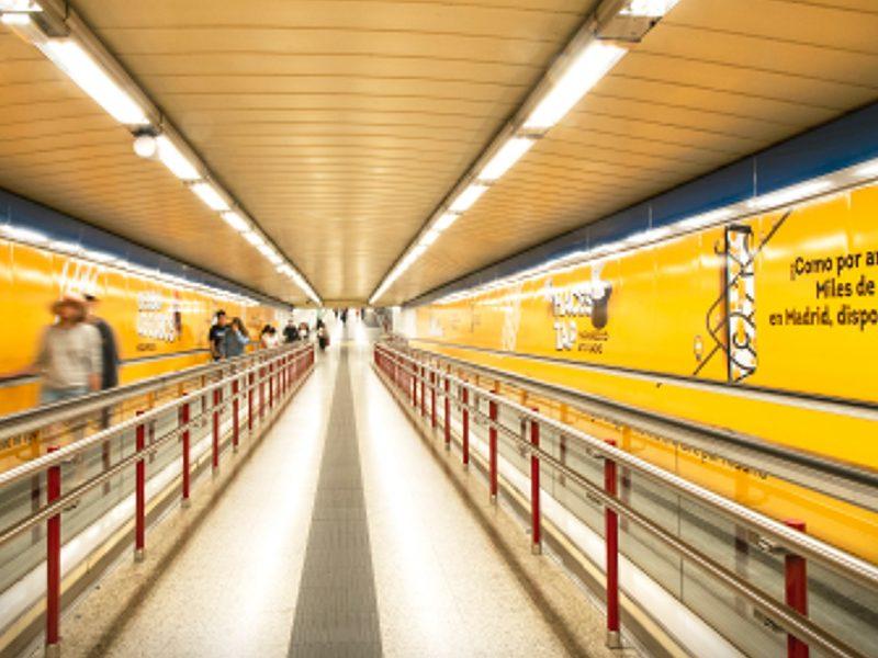 mytaxi, metro, pasillos, tunel, exterior, vallas, programapublicidad,