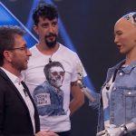 Los ciudadanos creen que la IA es un robot como los del cine.