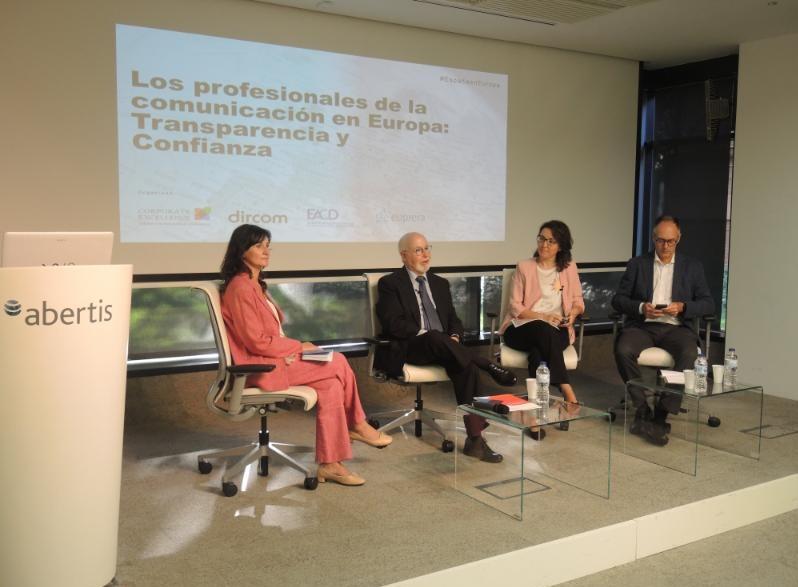 Ángeles Moreno, Ángel Alloza, Elena Gutiérrez , Alfonso Gonzalez, programapublicidad, muy grande