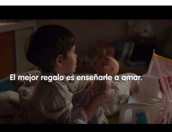Nenuco. El mejor regalo ,enseñarle a amar , Anuncio ,Juguetes ,Famosa 2019 , #JuegaConEllos, jurassic, programapublicidad,