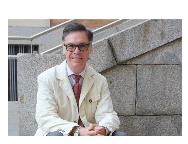 Víctor Briones, director , Cursos de Verano ,Universidad Complutense , El Escorial, programapublicidad,