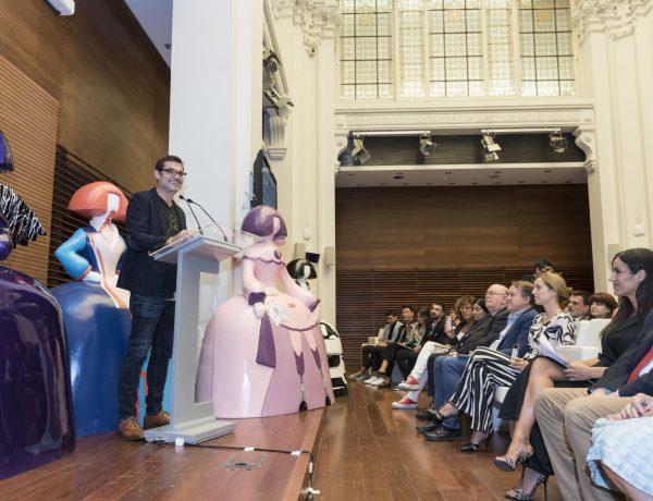Vuelve ,Meninas Madrid Gallery , medio centenar ,meninas, ayuntamiento madrid, Antonio Azzato. , programapublicidad,