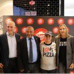 Grupo Telepizza incorpora una nueva jugadora de LaLiga Genuine Santander en tienda Málaga