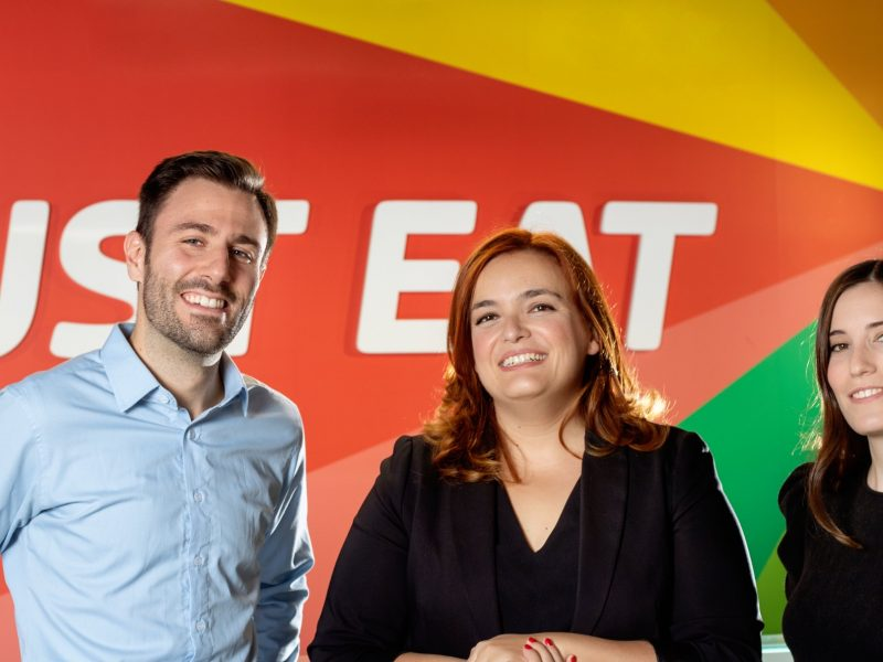 Chelo Domínguez, Icíar Luengo , Lorenzo Solís , Just Eat, programapublicidad