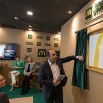 McDonald's subasta su última pajita de plástico en España.