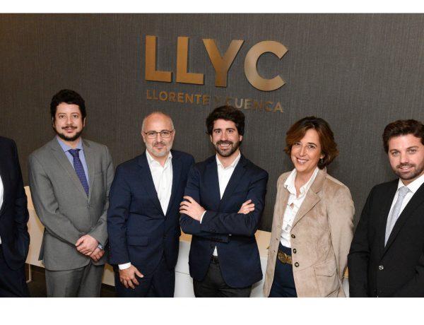 LLYC , adquiere , consultoría , Diplolicy , incorpora , Roger Montañola , Director Senior, programapublicidad