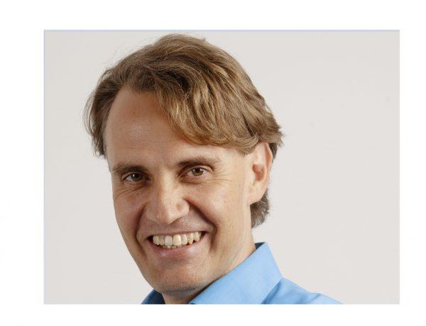 Stephan Fuetterer ,incorpora , Director , Área Corporativa , equipo , Villafañe & Asociados, V&A, programapublicidad