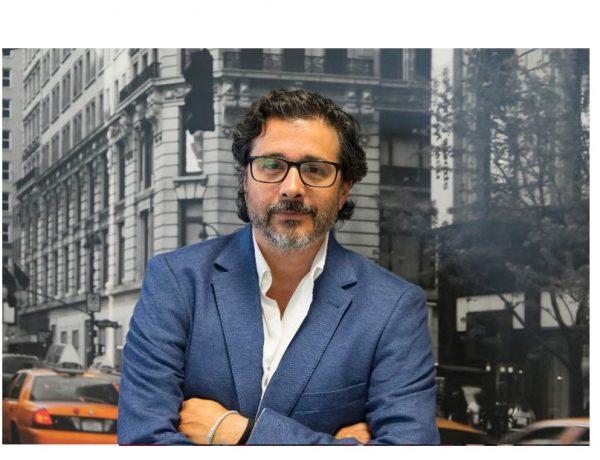 David Sandoval, Director , Esencial, programapublicidad