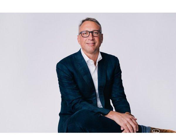 Hootsuite , nombra , Tom Keiser ,nuevo CEO , programapublicidad