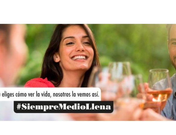 #SiempreMedioLlena,, agencia creativa , Diluvia , OIVE, programapublicidad