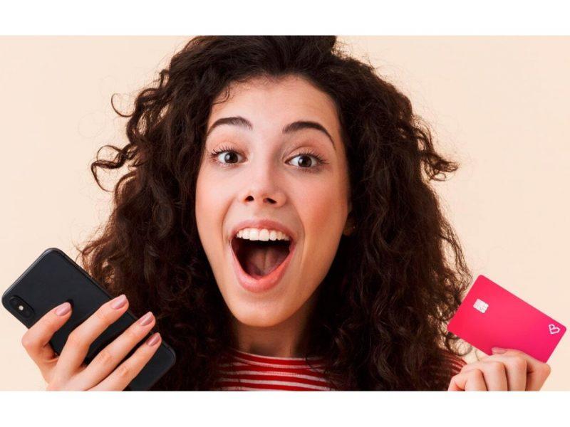 compras, ecommerce, Bnext, movil, chica,tarjeta, programapublicidad