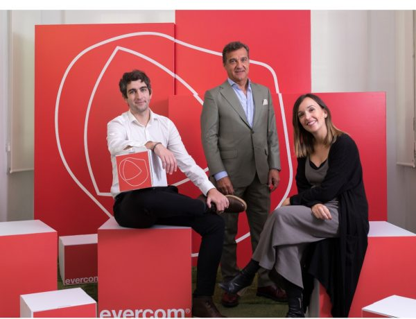 Alberte Santos, CEO ,Evercom, Irene de la Casa, directora , División , Evercom Life , Diego Martínez, programapublicidad