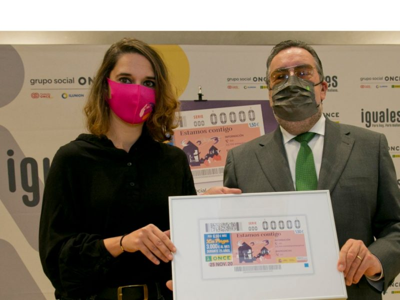Noelia Vera , Miguel Carballeda, cupon , copia enmarcada ,cupón, programapublicidad