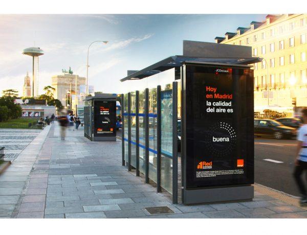 Orange, apuesta ,JCDecaux , primera campaña , feed , polución, programapublicidad